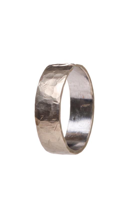Hammered Band in white gold