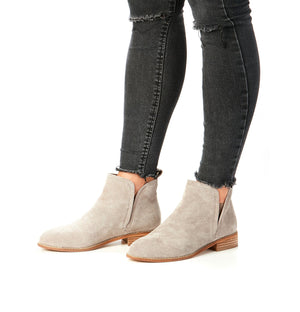 Douglas Boot Taupe On