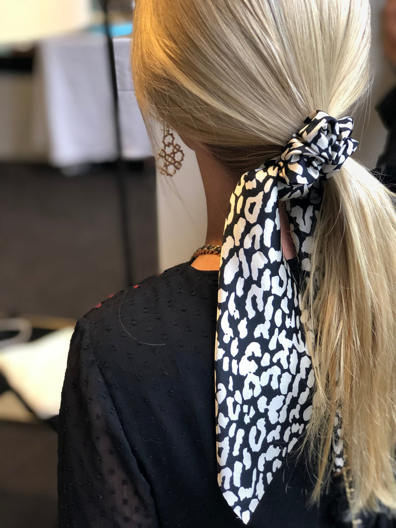 HAIR SCRUNCHIE SCARVE - ANIMAL FLECK | Queen of the Foxes