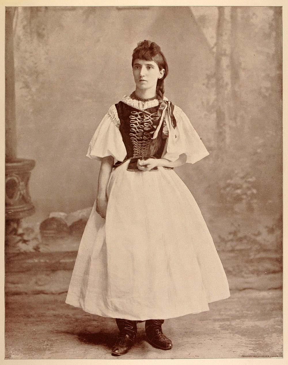 1893 Chicago World's Fair Portrait Hungarian Gypsy Queen Roma Romani Costume