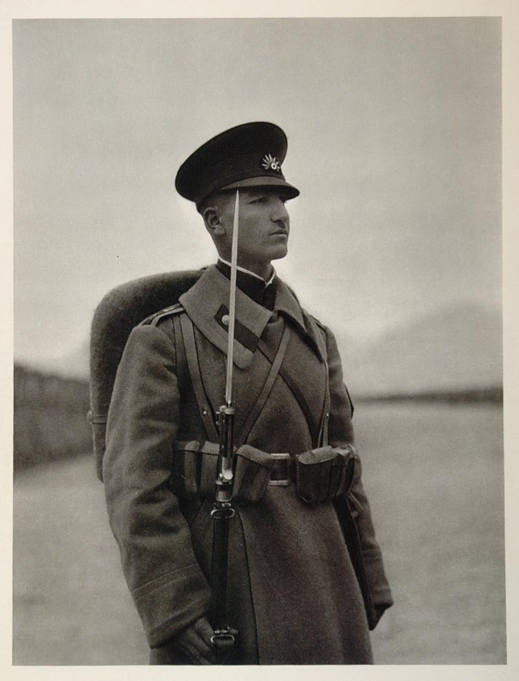 1937 Iranian Soldier Rifle Military Uniform Iran Persia - ORIGINAL IR1