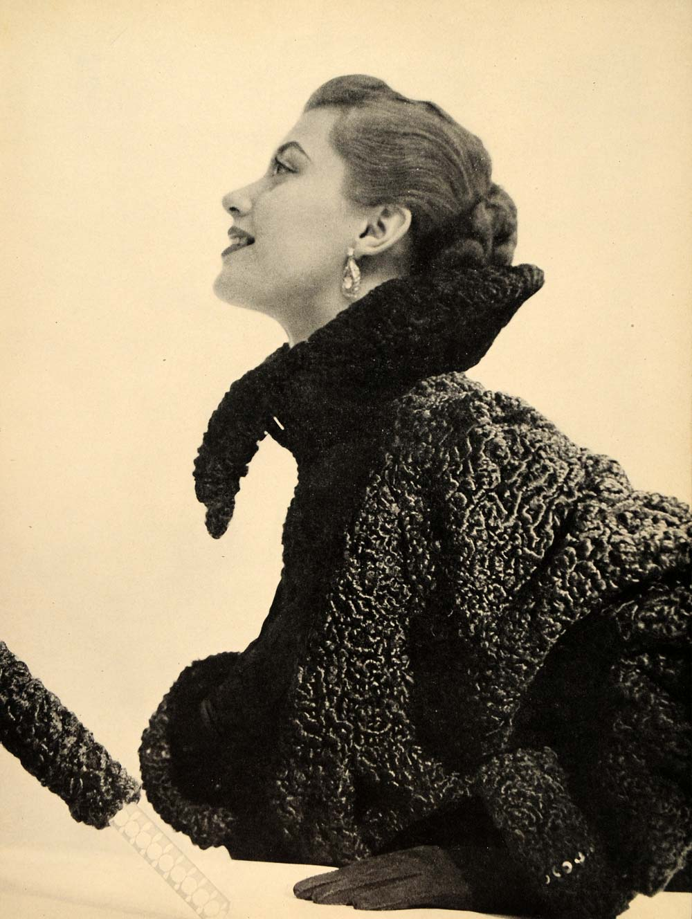 1948 Ad Vintage Persian Lamb Dyed Fur Coat Hollander Umbrella Women's Fashion