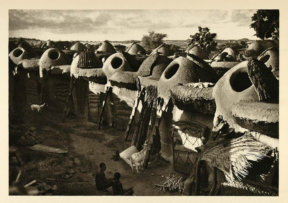1935 Mud Hut Architecture Village Africa Lake Chad - ORIGINAL PHOTOGRAVURE PTW1 - Period Paper