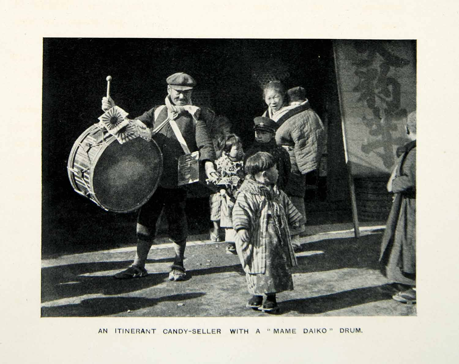 1909 Print Itinerant Candy Seller Merchant Mame Daiko Drum Children Japan XGQC7
