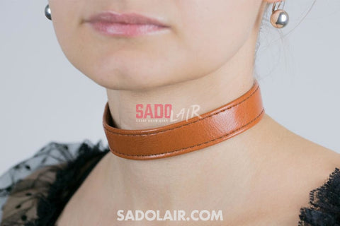 Classic Collar Brown Sadolair Collection