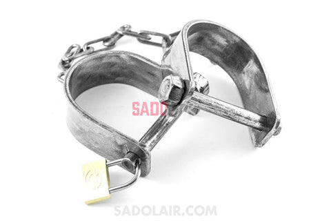 Ankle Shackles With Chain Simplex Sadolair Collection