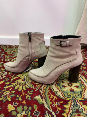 TOD'S HEELED BOOTS