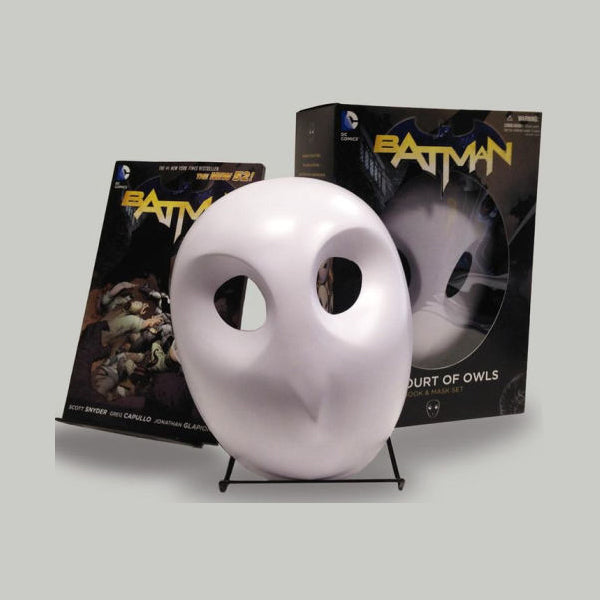 Batman: The Court of Owls - Set de Novela Gráfica y Máscara - Inglés - Preorden