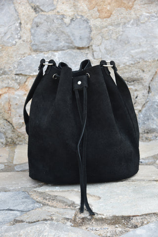 Black Bucket Handbag with drawstring - art of shop  - 1