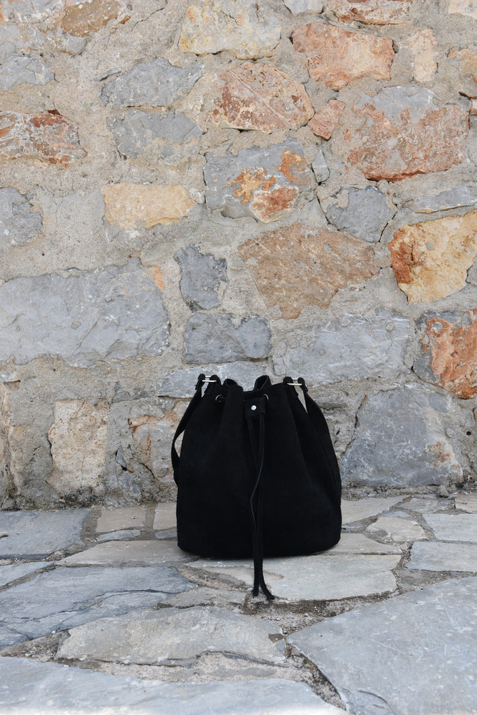 Black Bucket Handbag with drawstring - art of shop  - 5