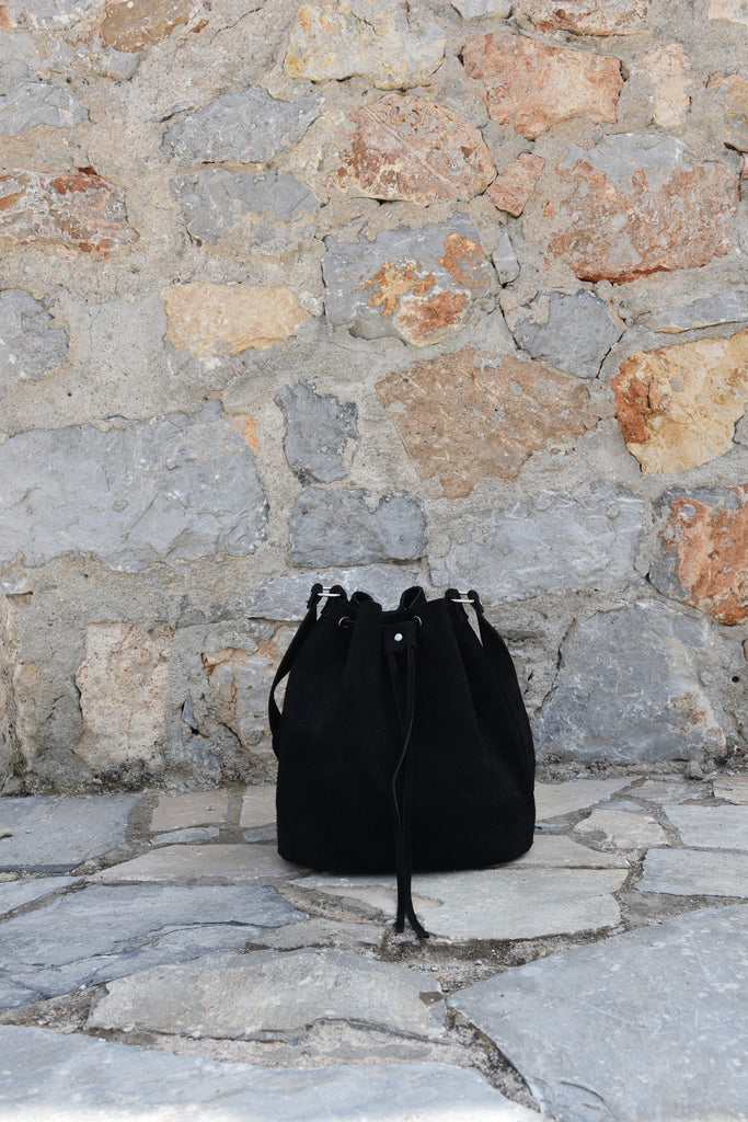 Black Bucket Handbag with drawstring - art of shop  - 6