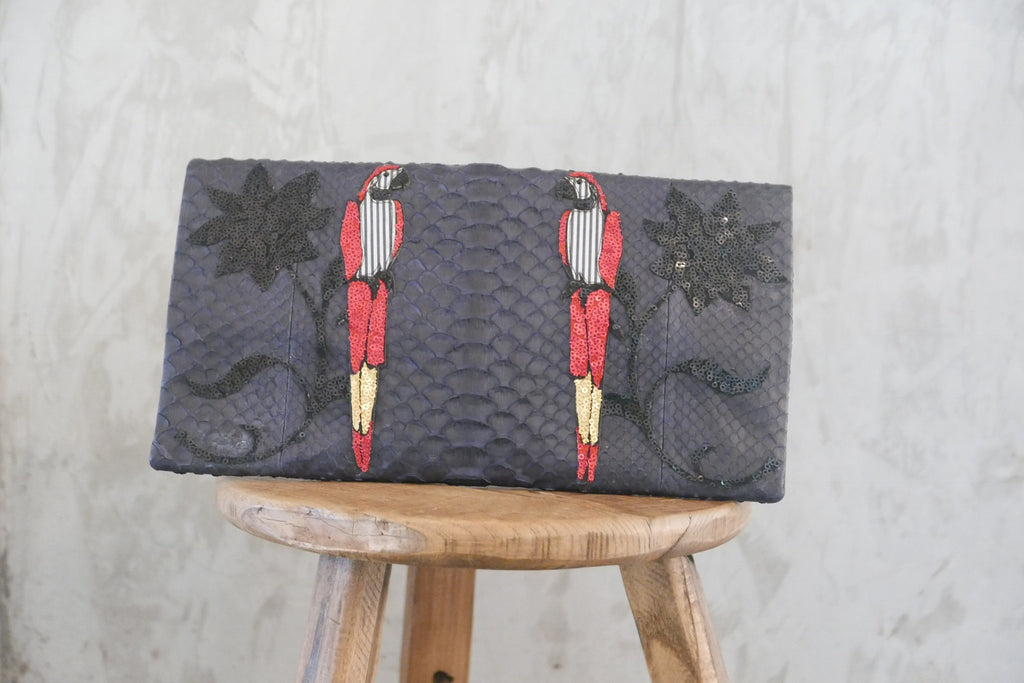 Navy Parrots Large Clutch customized by Fedri