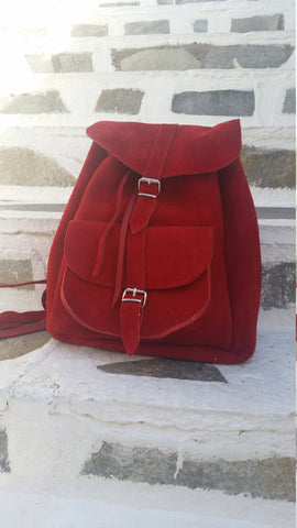 Leather Backpack in bright red - art of shop  - 1