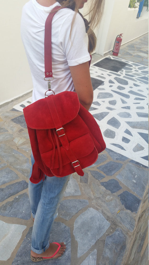 Leather Backpack in bright red - art of shop  - 4