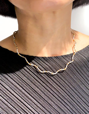 Project 09 - Ring of light I - Wavy line collar