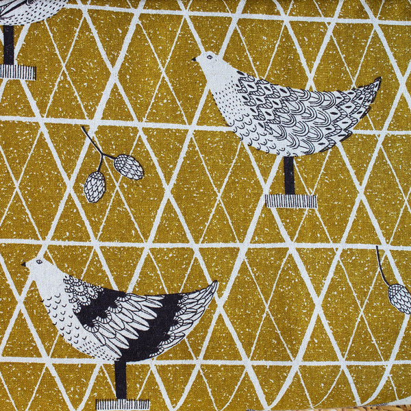 SASAZUKA BIRDS CHARTREUSE - Traditional Japanese Print - 55% Linen 45% Cotton