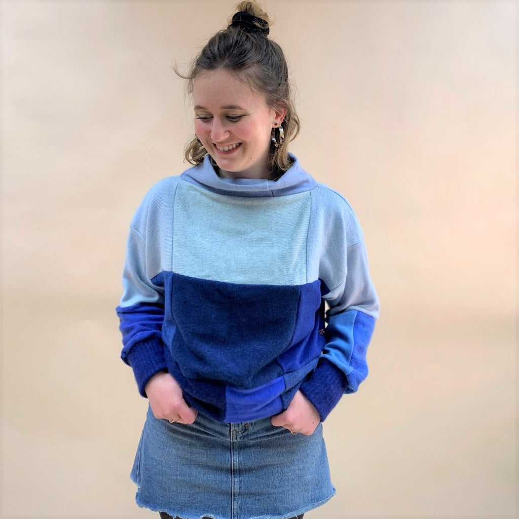 Cashmere Crop Jumper - Blue Mix