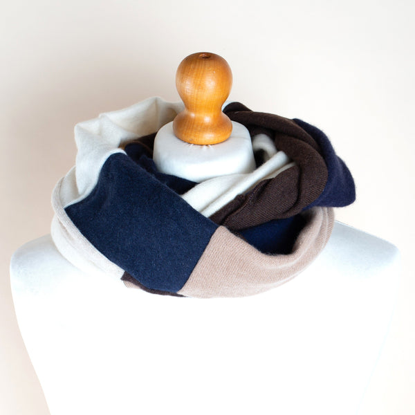 Cashmere Loop - Classic Navy Choc