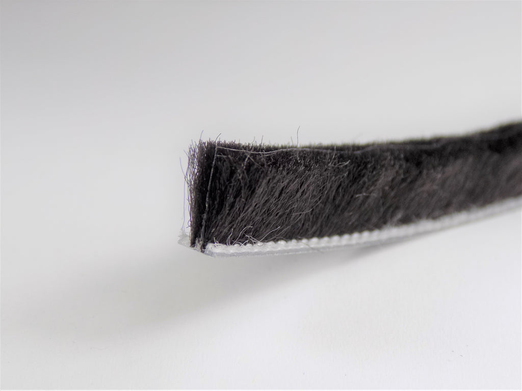 The Hairy Worm Black Slide-In Brush Pile 4.8 mm Base With FIN Various Heights