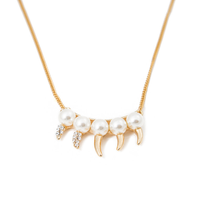 Pearl Claw Necklace a.v. max
