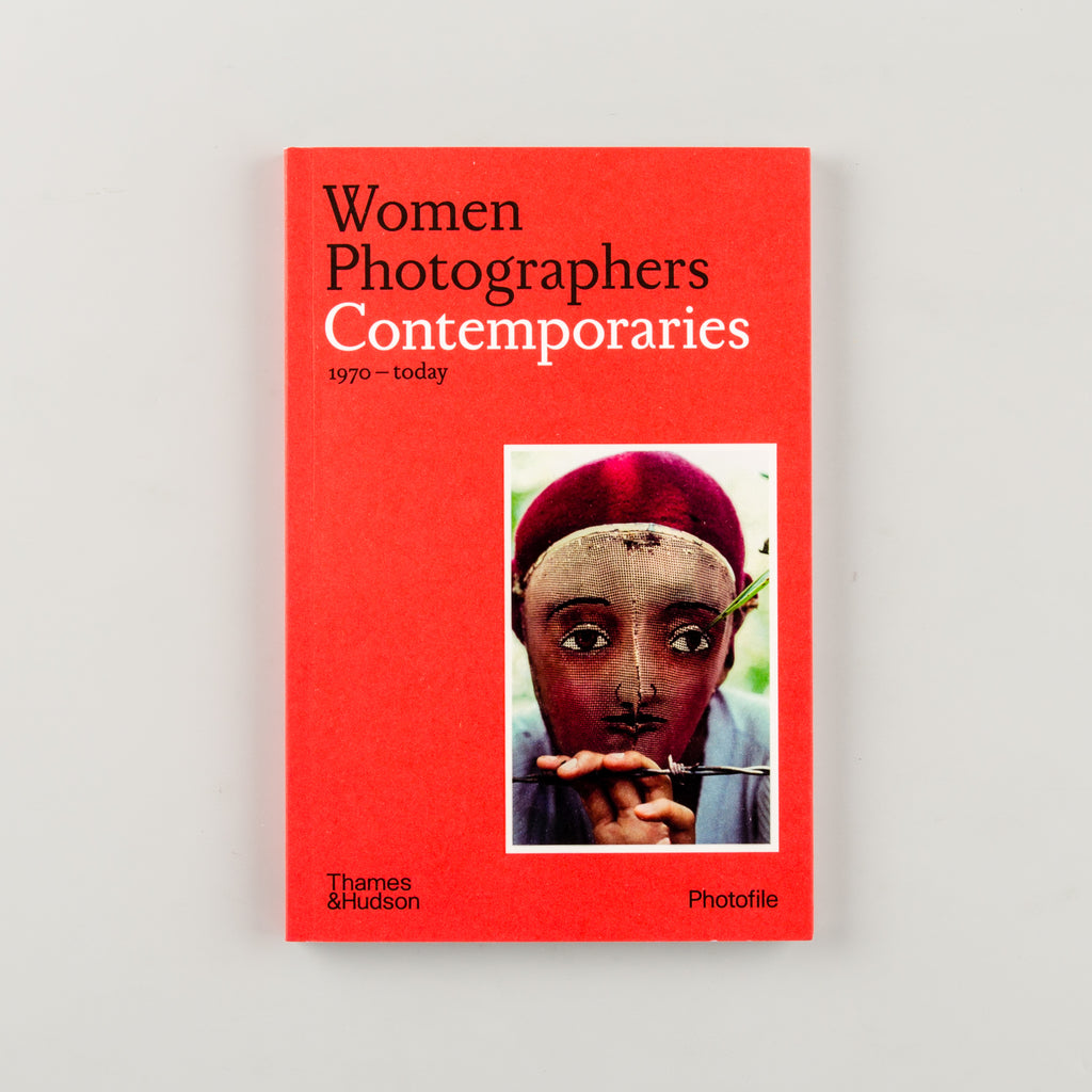 Women Photographers: Contemporaries by Clara Bouveresse - Cover