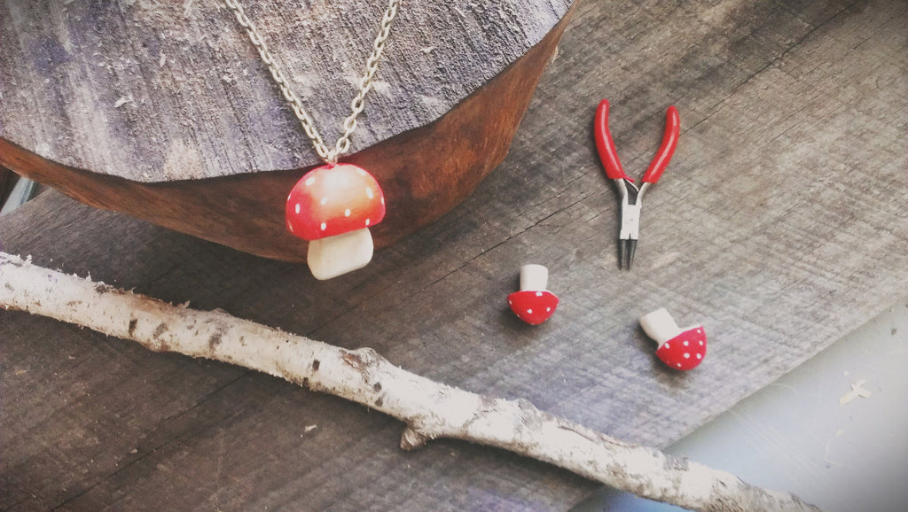 red-cap toadstool pendant -accessory- prettydreamer - 2