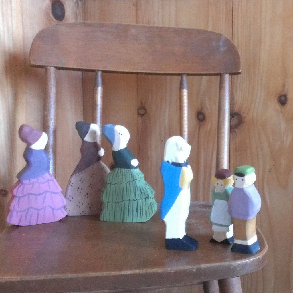 aunties and uncle visit / waldorf wooden figure (elsa beskow) -waldorf- prettydreamer - 1