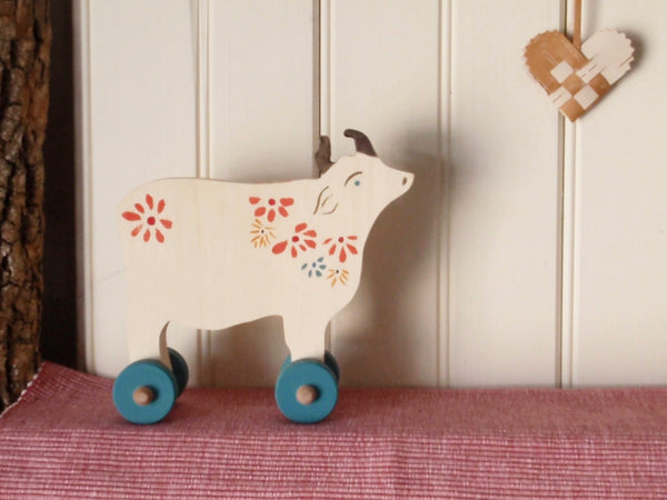 bucolic push toy cow -toys- prettydreamer - 5
