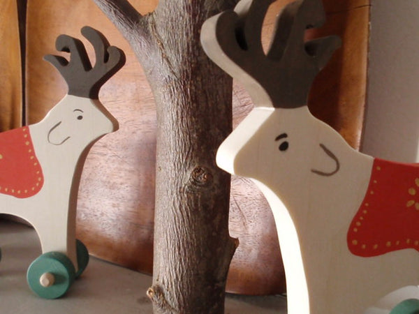 folkloric reindeer push toy -toys- prettydreamer - 4