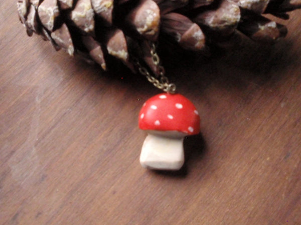 red-cap toadstool pendant -accessory- prettydreamer - 3