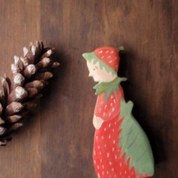 mrs. strawberry/ waldorf wooden figure -waldorf- prettydreamer - 1