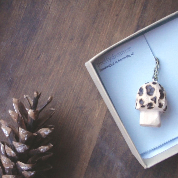 morel toadstool pendant necklace -accessory- prettydreamer - 1