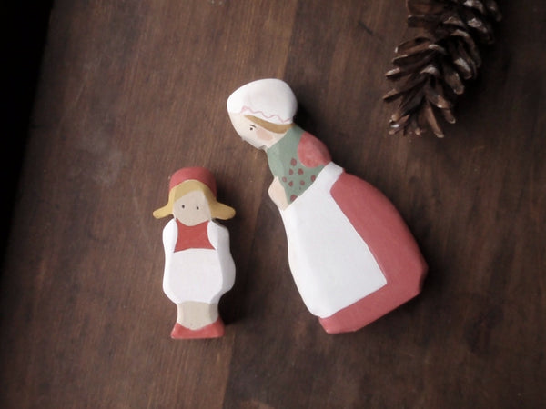 cranberry child / waldorf wooden figure -waldorf- prettydreamer - 4