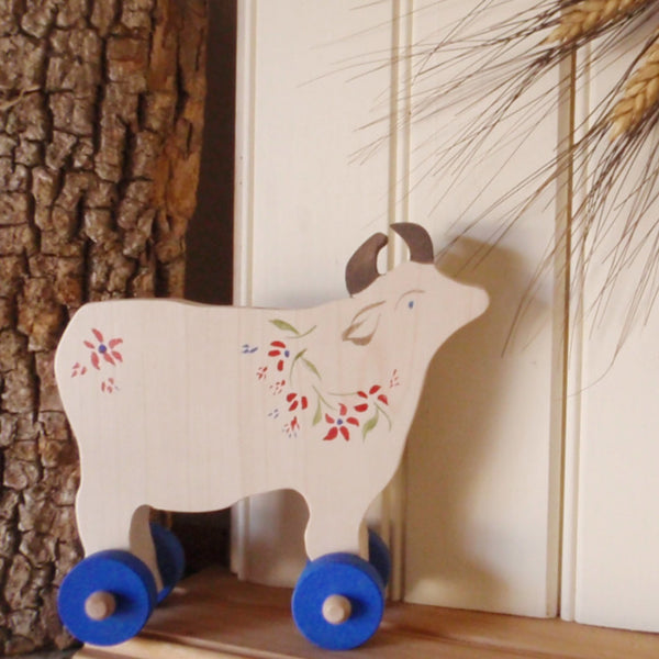 alpine meadow push toy cow -toys- prettydreamer - 1