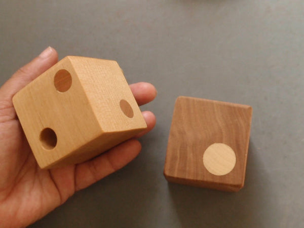 spotted rattle block -toys- prettydreamer - 4