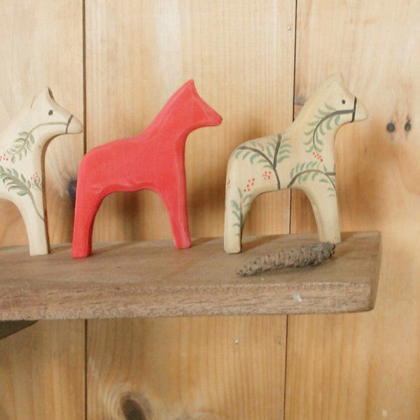 modern red dala horse -home- prettydreamer - 1
