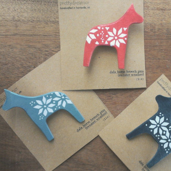dala horse wooden brooch pin -accessory- prettydreamer - 1