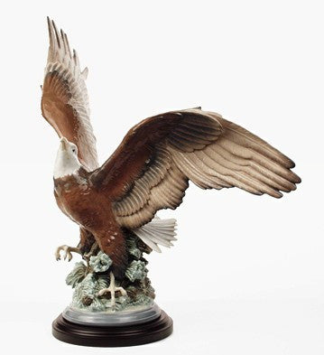 Lladro A SYMBOL OF FREEDOM, Eagle