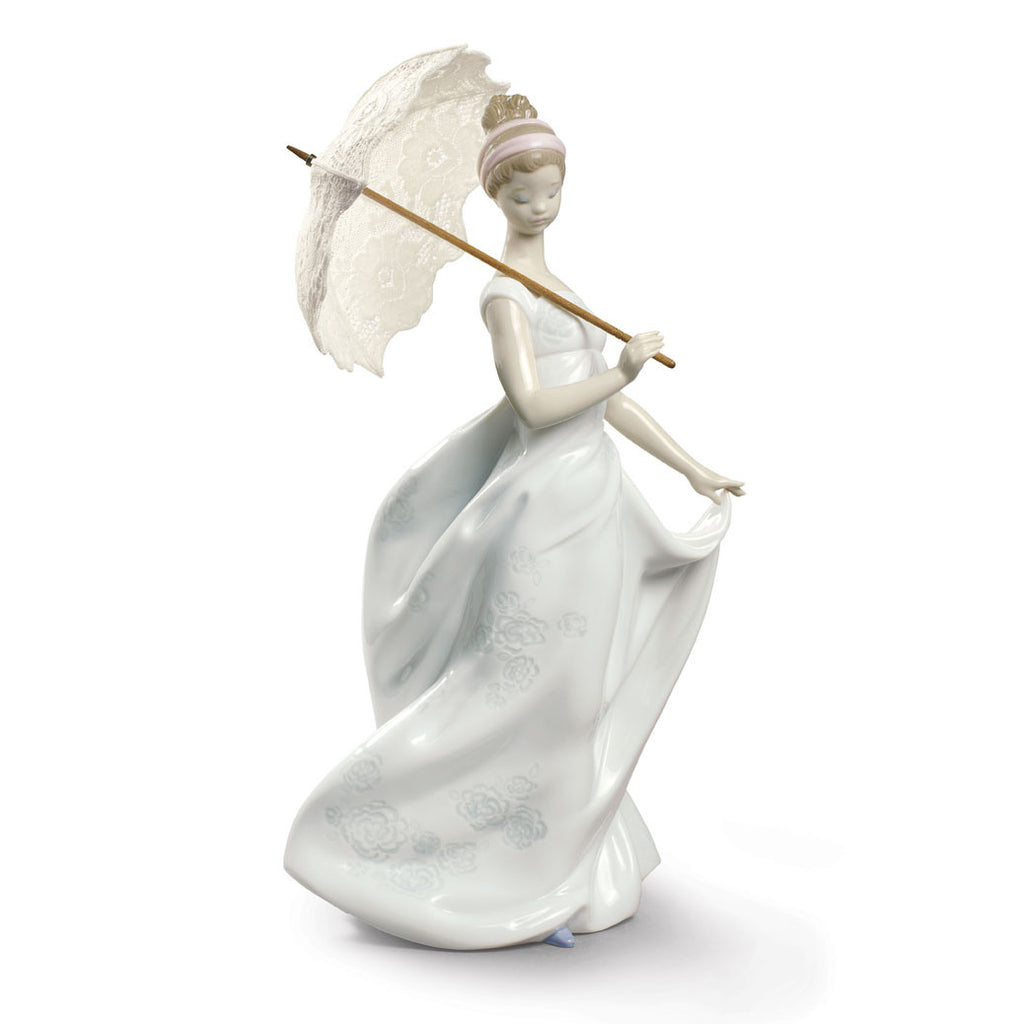 Lladro FINESSE, Lady with Umbrella
