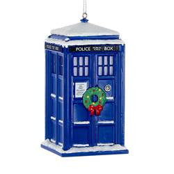 DOCTOR WHO TARDIS WITH WREATH AND LIGHT EFFECT ORNAMENT DW1162