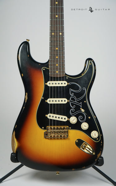 Fender Custom Shop Stevie Ray Vaughan Signature Stratocaster Relic Faded 3-Color Sunburst w/ Case