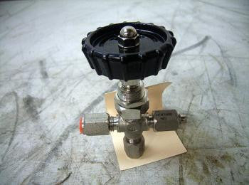 Cross Valve NSN:4820-00-226-4515 P/N:DM328-4Gt