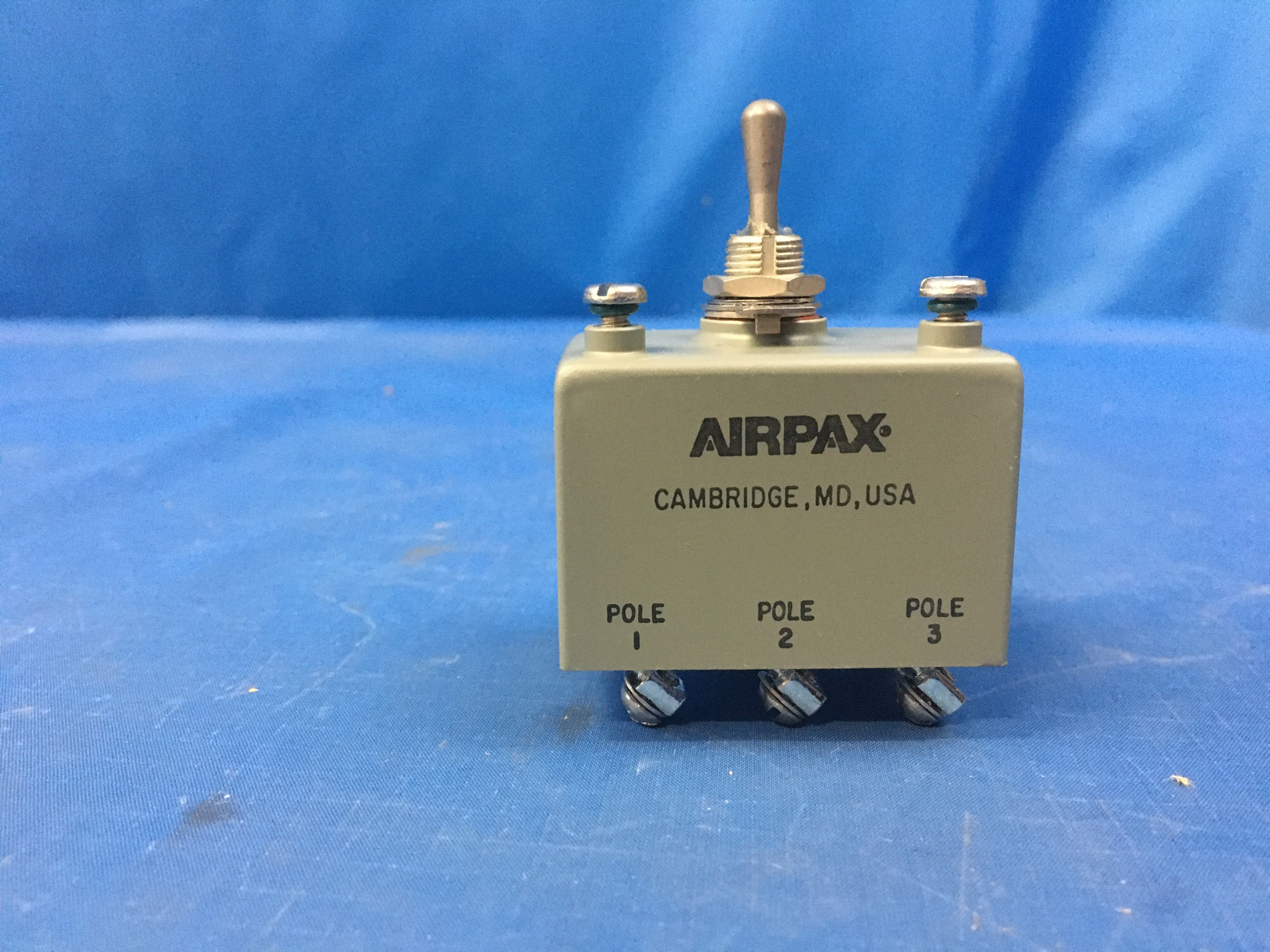 Airpax AP-116-1RC-20776-1 Circuit Breaker 2.5A/240V/3P NSN:5925-01-227-5536