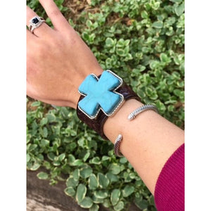 ReLoved Leather Turquoise Cross Vintage Cuff