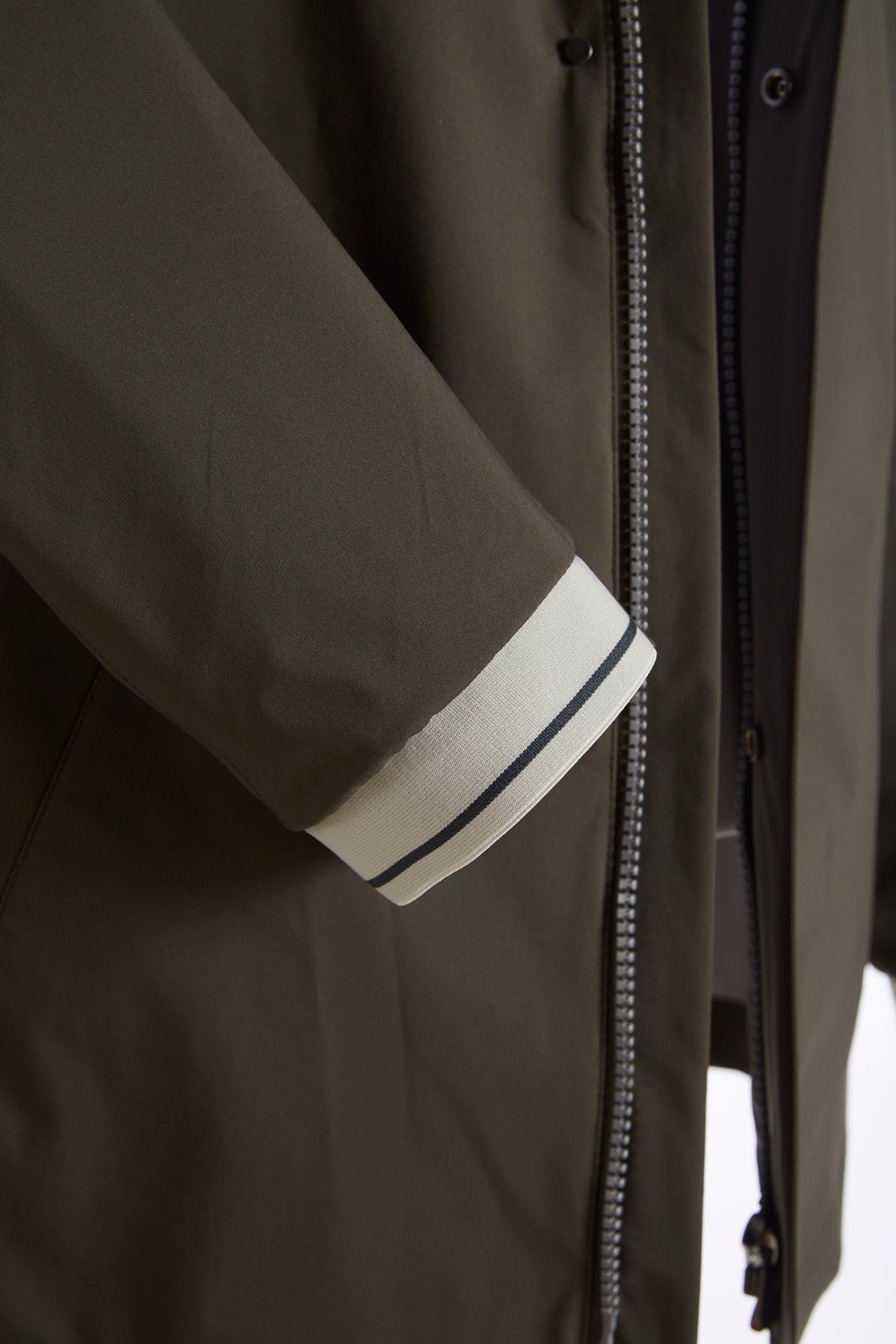 Bugatti Olive Waterproof Rainseries Jacket Sleeves