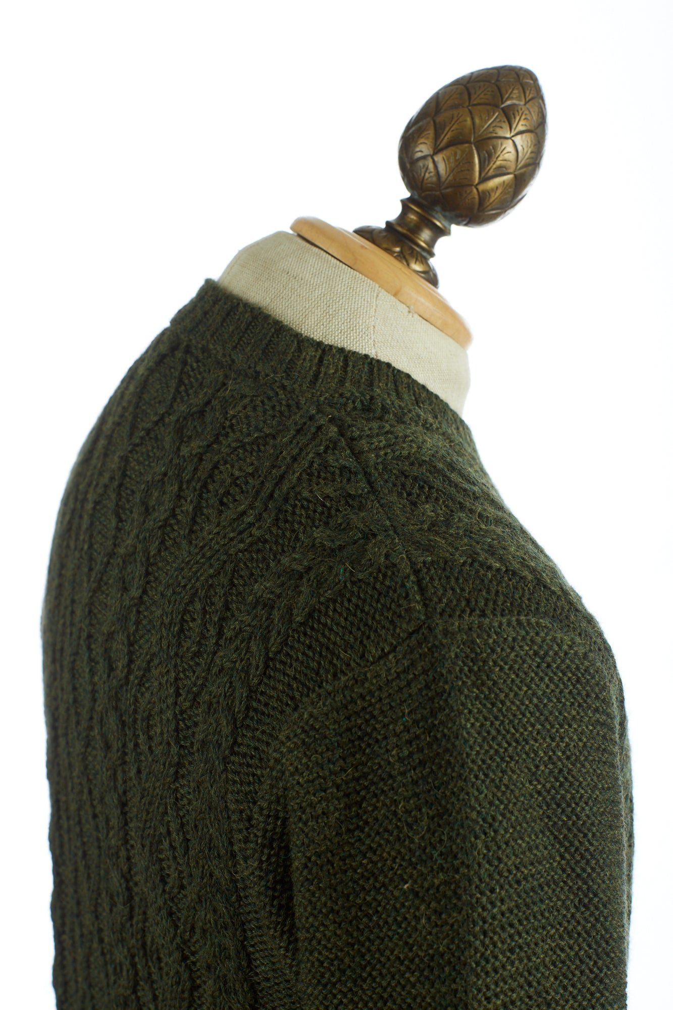 Inis Meáin Aran Green Cable Knit Shoulder Pullover