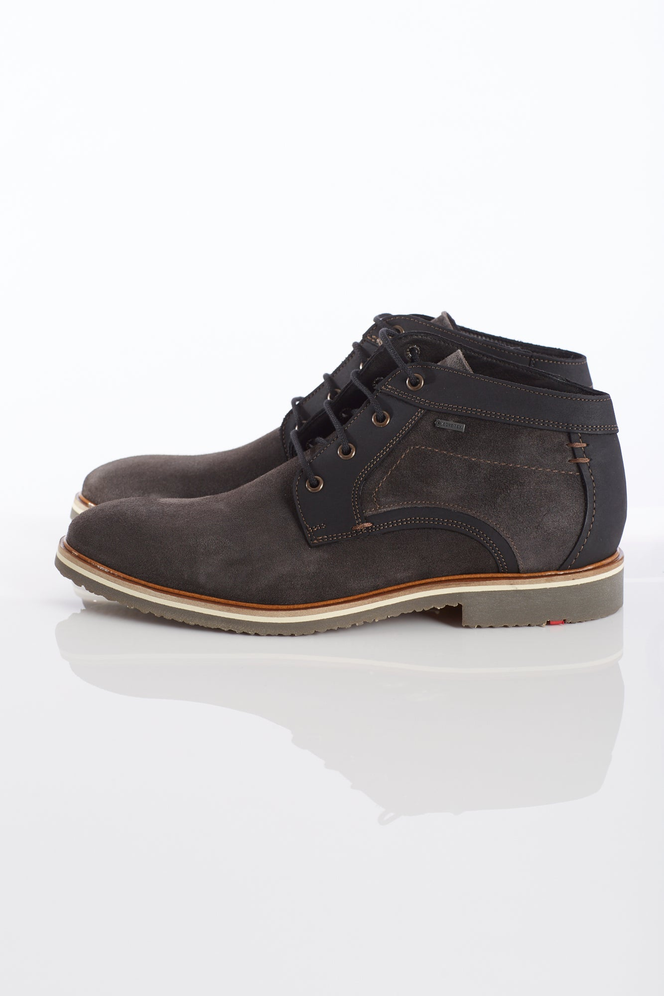 Lloyd 'Valentin' Goretex Grey Chukka Boot Side