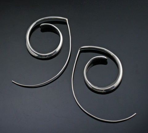 Almost Circle Earrings-E1011