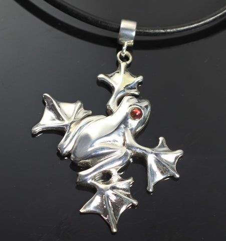 Flying Frog Pendant-W1003