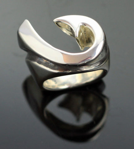 Hook & Wave Ring-R1053